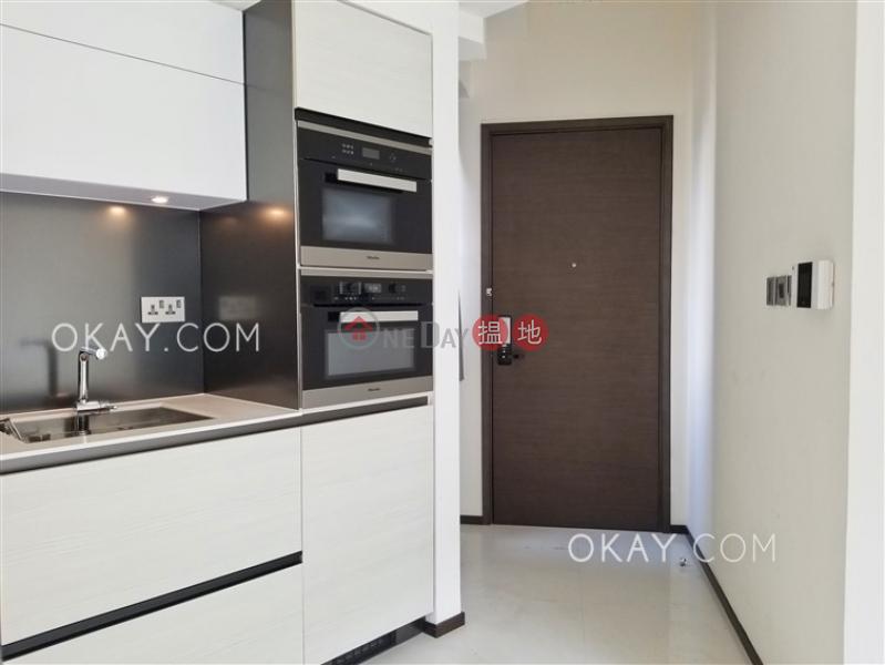 Charming 2 bedroom with balcony | Rental, Regent Hill 壹鑾 Rental Listings | Wan Chai District (OKAY-R294647)