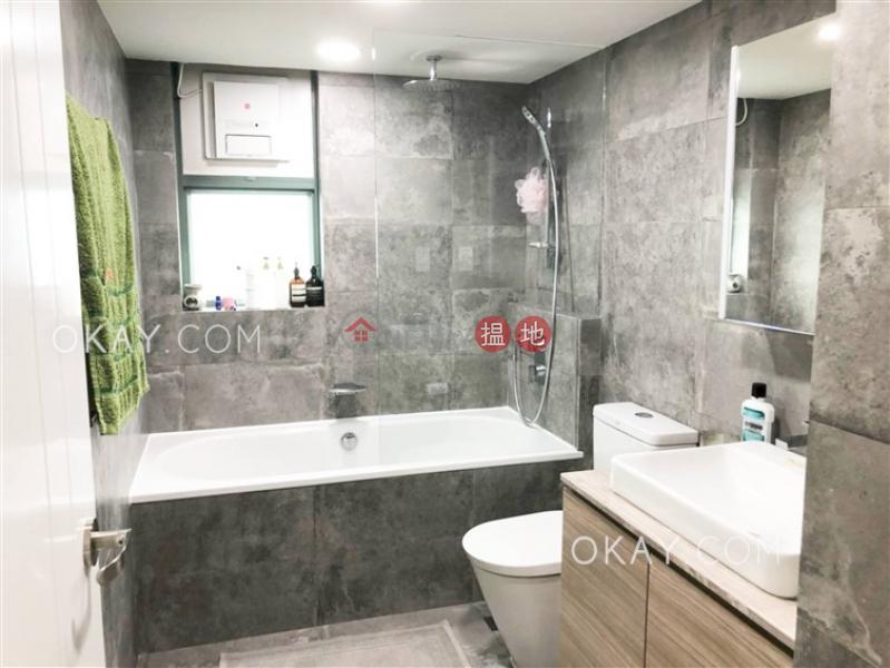 3房2廁,實用率高,連車位,露台《東山台18號出售單位》 東山台18號(18 Tung Shan Terrace)出售樓盤 (OKAY-S13216)