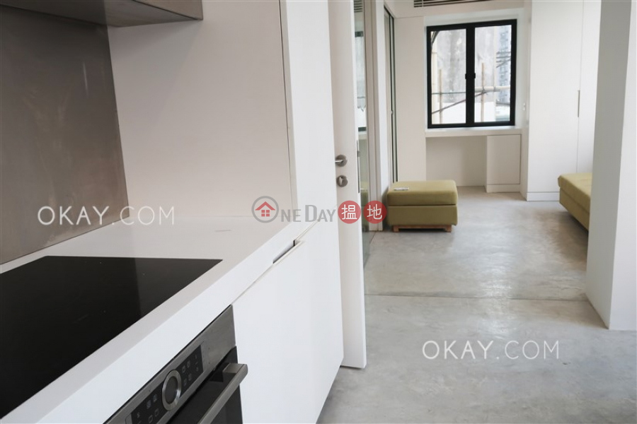 HK$ 11.8M | 25 Eastern Street | Western District Gorgeous 2 bedroom in Sai Ying Pun | For Sale