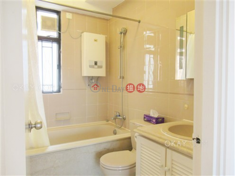 HK$ 75,000/ month, Beverly Hill, Wan Chai District, Rare 4 bedroom on high floor with balcony & parking | Rental