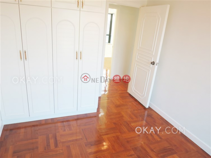 Charming 3 bedroom on high floor with balcony & parking | Rental | Emperor Height 御景臺 Rental Listings