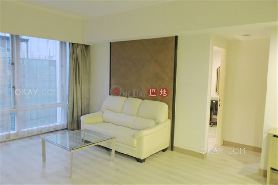 HK$ 31,000/ month, Convention Plaza Apartments   Wan Chai District Stylish 1 bedroom on high floor   Rental