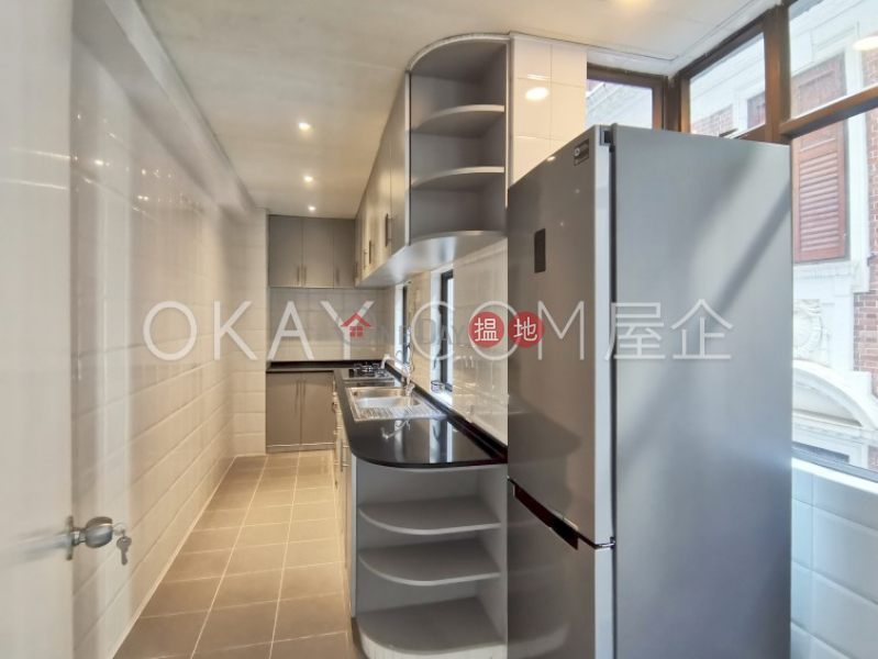 HK$ 13.9M, Peacock Mansion, Western District   Charming 1 bedroom in Mid-levels West   For Sale