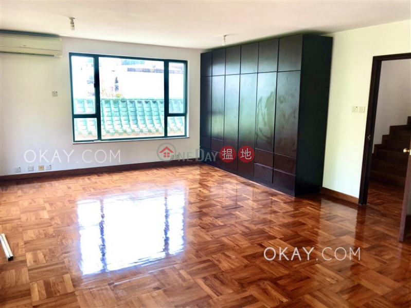 HK$ 55,000/ month 48 Sheung Sze Wan Village | Sai Kung Charming house with rooftop, balcony | Rental