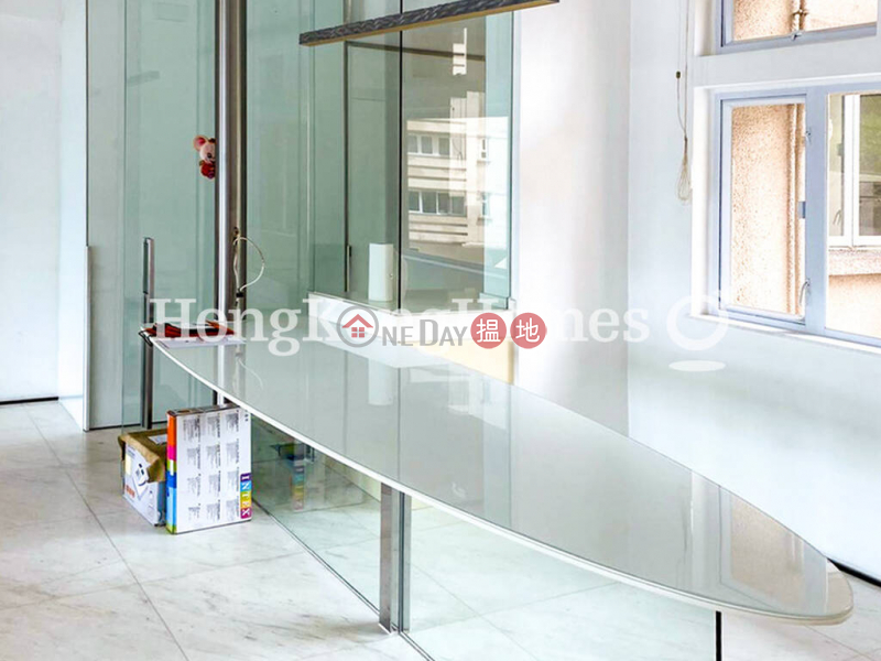 香港搵樓 租樓 二手盤 買樓  搵地   住宅-出售樓盤-輝百閣三房兩廳單位出售