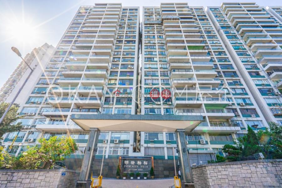 香港搵樓 租樓 二手盤 買樓  搵地   住宅出租樓盤 4房2廁,實用率高,連車位,露台松柏新邨出租單位