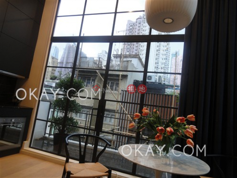 Luxurious 1 bedroom with balcony | Rental | 11 Upper Station Street 差館上街11號 Rental Listings