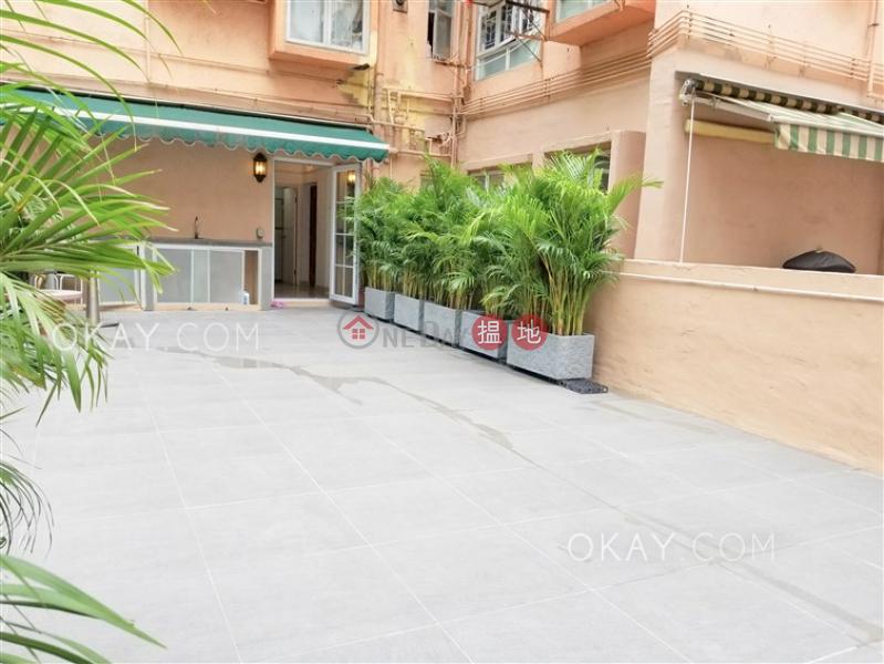 Stylish 1 bedroom with terrace | Rental, Shun Hing Building 順興大廈 Rental Listings | Western District (OKAY-R287180)