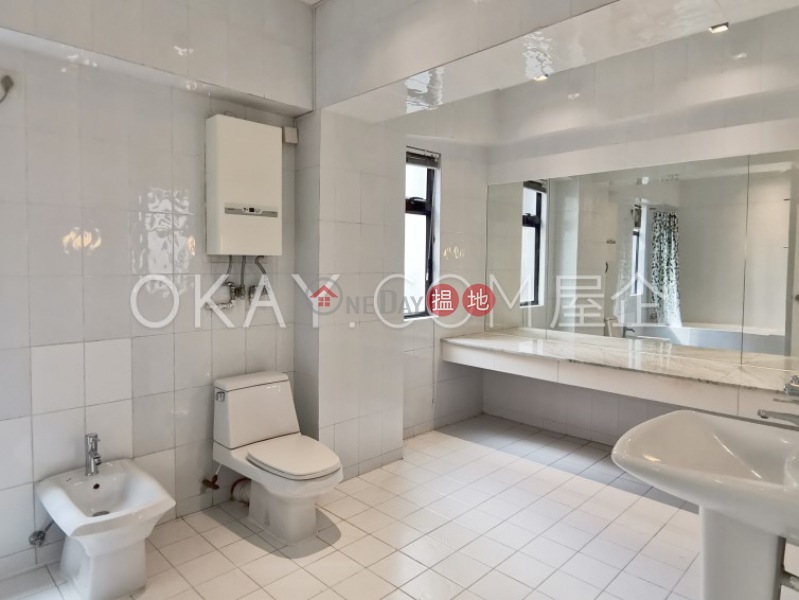 HK$ 29,800/ month Peacock Mansion | Western District | Charming 1 bedroom in Mid-levels West | Rental