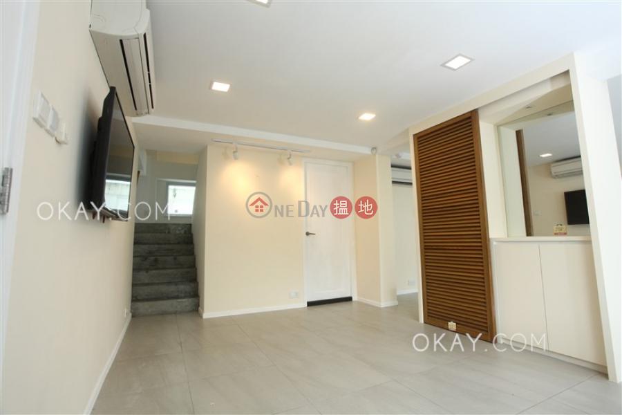 Lovely house with rooftop, balcony | Rental | Pak Shek Terrace 白石臺 Rental Listings