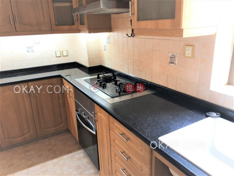 HK$ 18.38M | Block 4 Mandarin Court Kowloon City Luxurious 3 bedroom with parking | For Sale