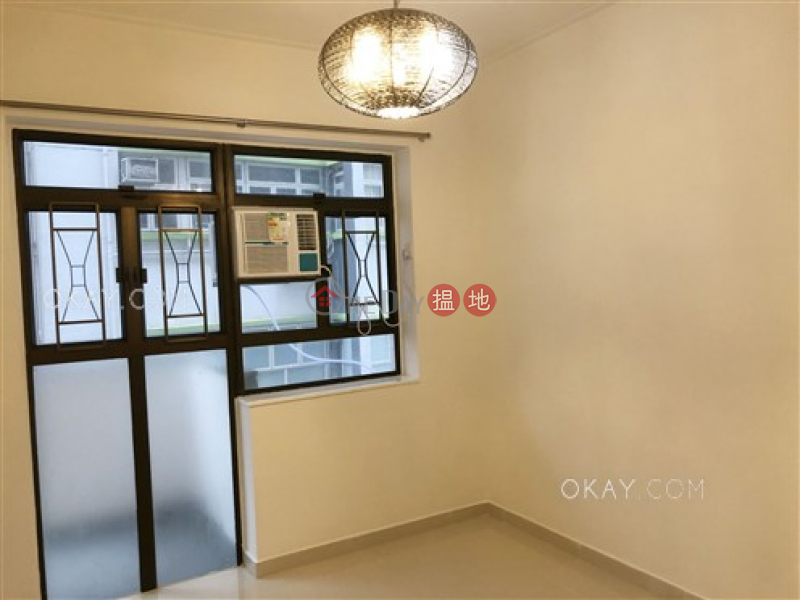 HK$ 37,000/ month, Paterson Building Wan Chai District | Tasteful 3 bedroom with balcony | Rental