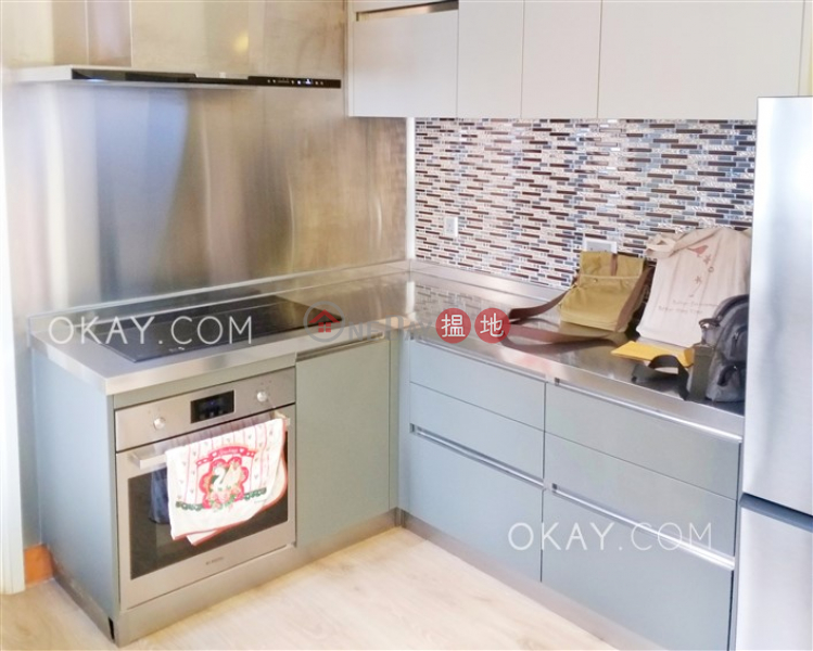 HK$ 29M | CHI FU FA YUEN-YAR CHEE VILLAS - BLOCK L5 | Western District | Efficient 3 bed on high floor with sea views & balcony | For Sale
