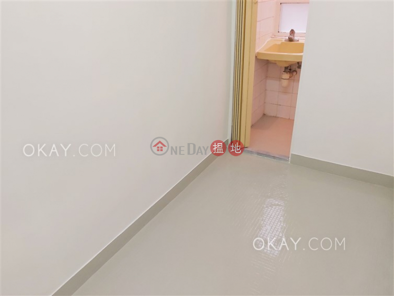 HK$ 50,000/ 月滿輝大廈-灣仔區-3房2廁,實用率高,連車位,露台《滿輝大廈出租單位》