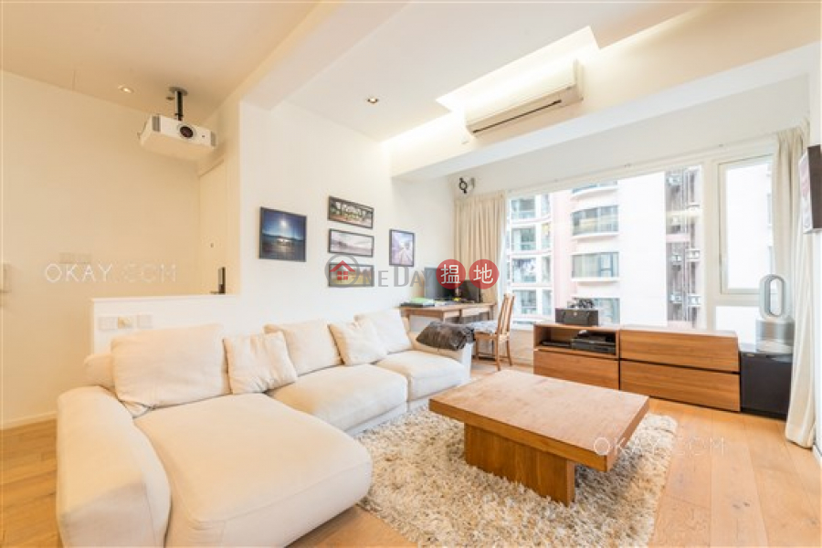 Charming 3 bedroom on high floor with rooftop & parking | For Sale | 27-29 Village Terrace 山村臺 27-29 號 Sales Listings