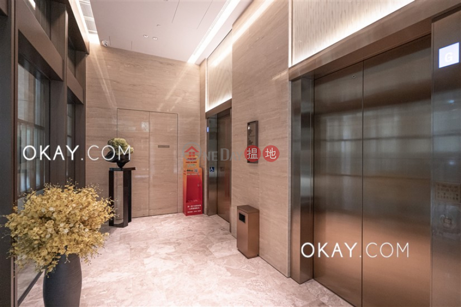 HK$ 15.8M | Block 1 New Jade Garden | Chai Wan District | Lovely 2 bedroom with balcony | For Sale