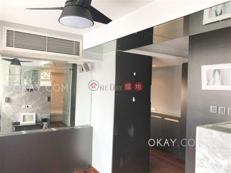 HK$ 8M | Wah Fai Court, Western District Intimate 1 bedroom on high floor | For Sale