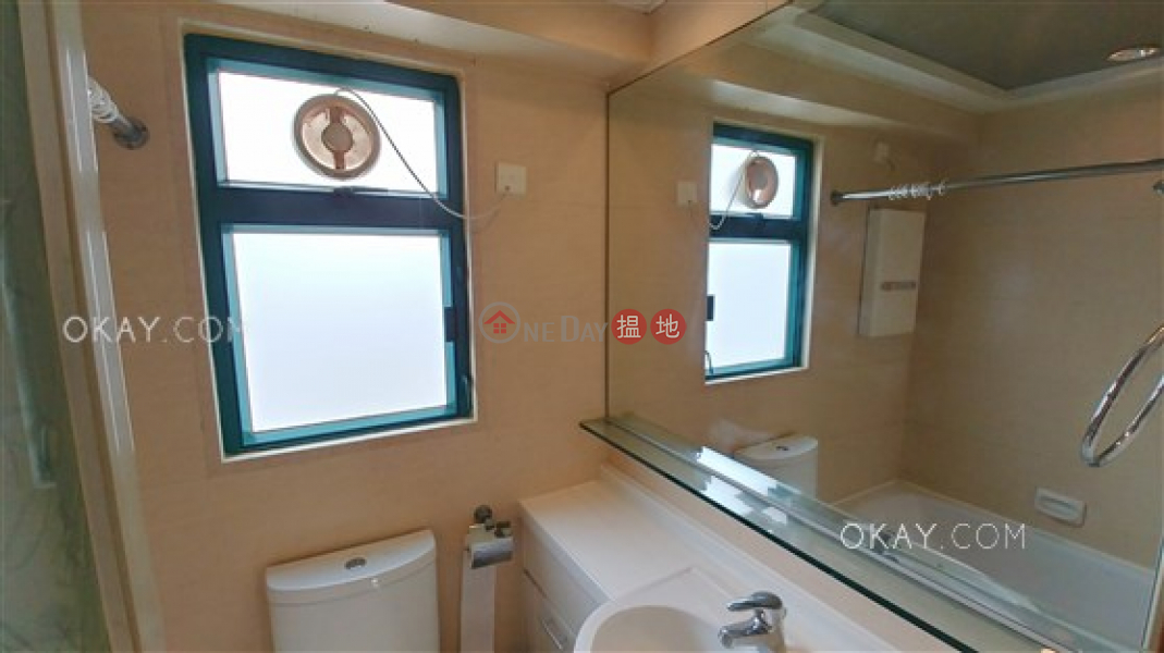 HK$ 11.5M | The Grandeur Wan Chai District | Luxurious 1 bed on high floor with harbour views | For Sale
