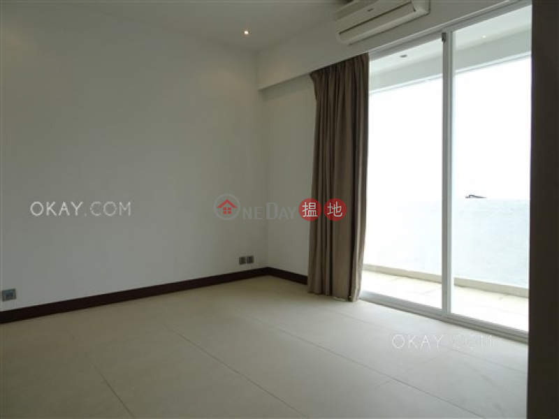 香港搵樓|租樓|二手盤|買樓| 搵地 | 住宅出售樓盤-3房3廁,海景,連租約發售,連車位《華富花園出售單位》
