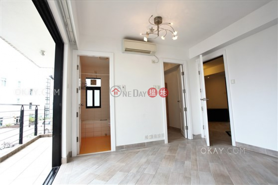 Rare house with sea views, rooftop & balcony   For Sale   Siu Hang Hau Village House 小坑口村屋 Sales Listings