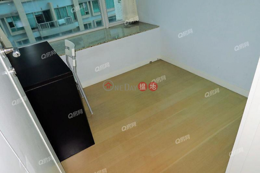 Property Search Hong Kong | OneDay | Residential Rental Listings | 18 Conduit Road | 3 bedroom High Floor Flat for Rent