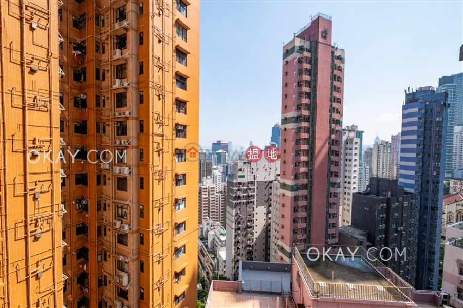 Luxurious 2 bedroom with balcony | Rental | 2 Park Road 柏道2號 Rental Listings