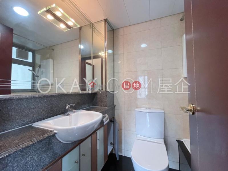 2房1廁,極高層,星級會所泓都出租單位|泓都(The Merton)出租樓盤 (OKAY-R126268)