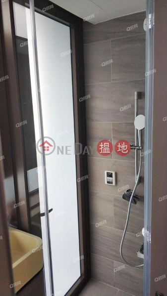 HK$ 13,600/ month | One Prestige | Eastern District One Prestige | Mid Floor Flat for Rent