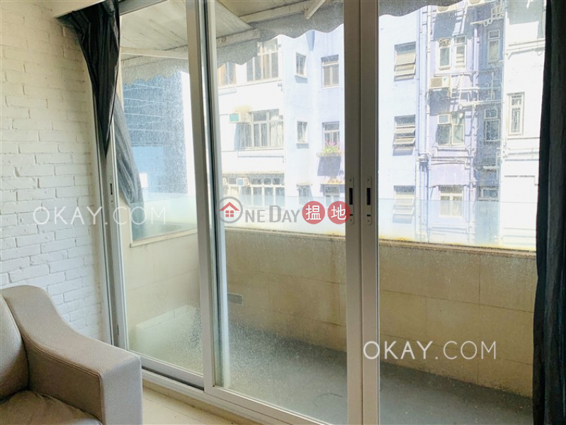Popular 3 bedroom with balcony | For Sale | Thai Kong Building 泰港大廈 Sales Listings