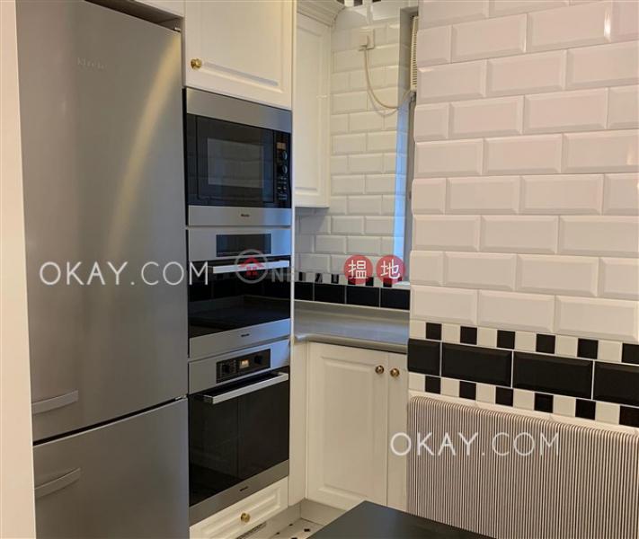 HK$ 128,000/ month, Sorrento Phase 1 Block 3, Yau Tsim Mong | Stylish 4 bed on high floor with sea views & parking | Rental