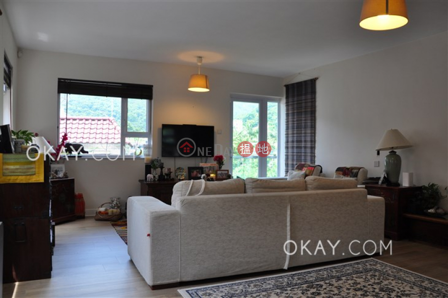 HK$ 15.5M, Ho Chung New Village, Sai Kung Nicely kept house with rooftop, balcony   For Sale