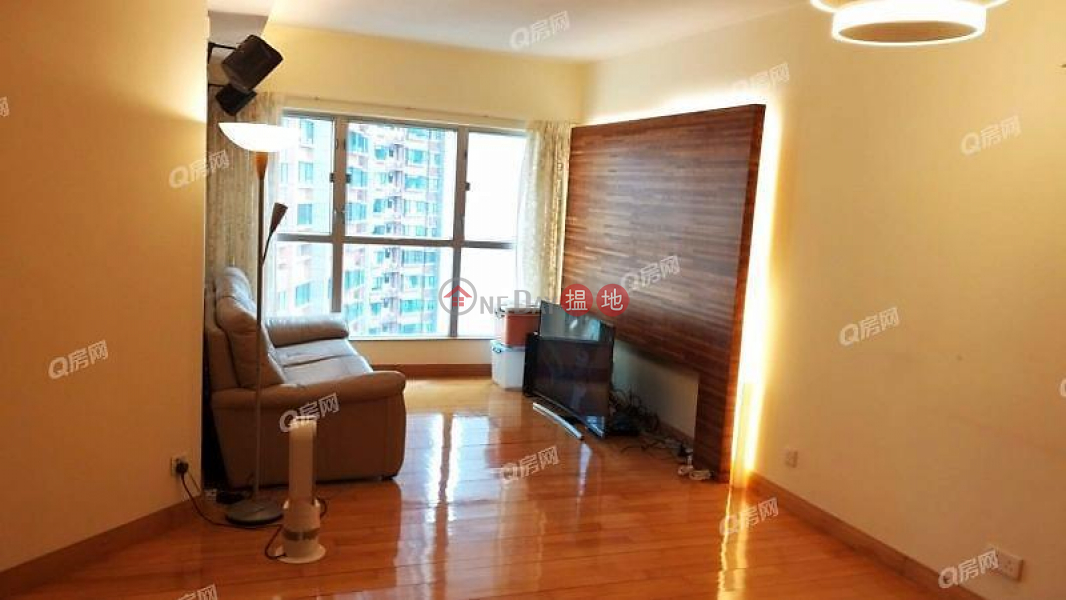 HK$ 31,500/ month The Waterfront Phase 1 Tower 2 Yau Tsim Mong | The Waterfront Phase 1 Tower 2 | 3 bedroom Mid Floor Flat for Rent