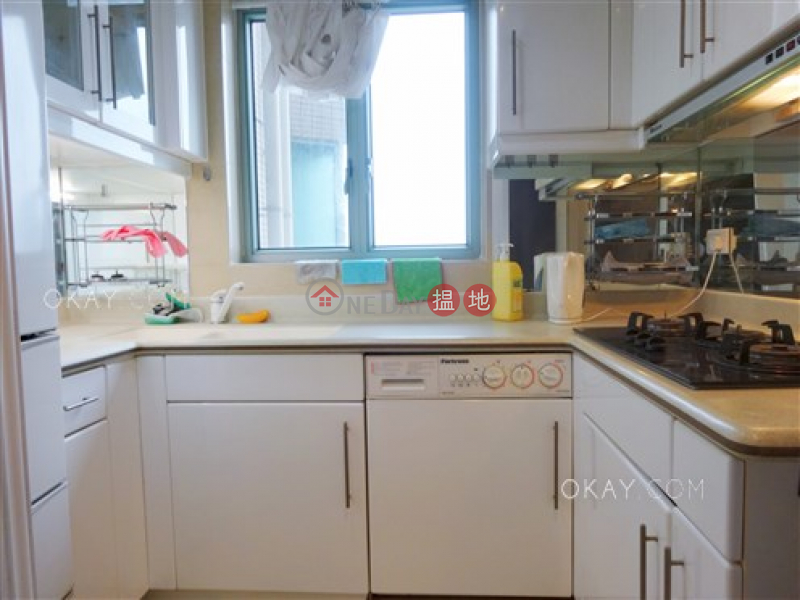 HK$ 54,000/ month Tower 1 The Victoria Towers, Yau Tsim Mong Charming 3 bedroom on high floor with sea views | Rental