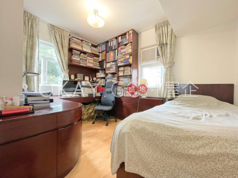 HK$ 14.68M   Shan Kwong Tower, Wan Chai District   Luxurious 2 bedroom with parking   For Sale