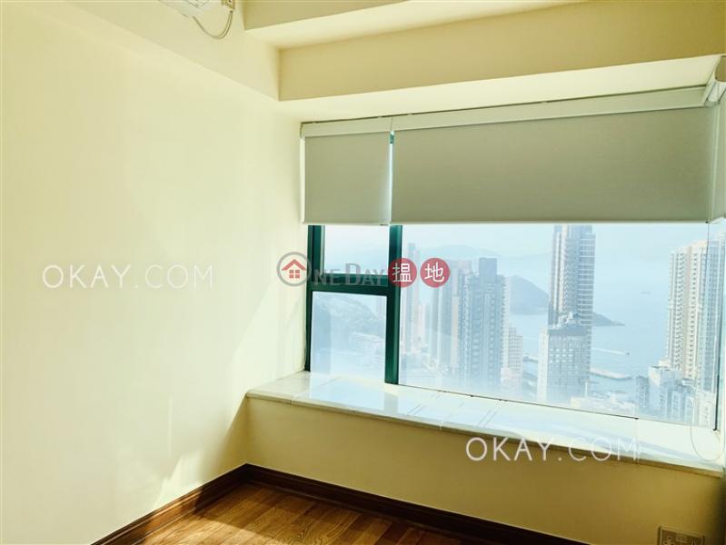 HK$ 40,000/ month | University Heights Block 2 Western District Elegant 3 bed on high floor with sea views & balcony | Rental