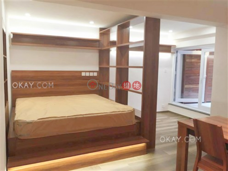 Charming studio with terrace | For Sale, Hongway Garden Block B 康威花園B座 Sales Listings | Western District (OKAY-S278632)