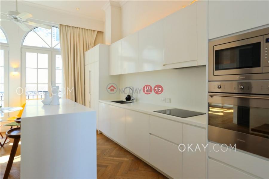 Gorgeous 2 bedroom on high floor with rooftop | Rental | 61-63 Hollywood Road 荷李活道61-63號 Rental Listings