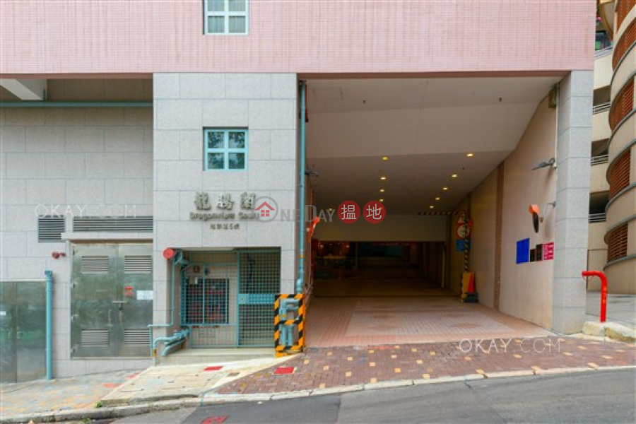 3房2廁,連車位,露台《龍騰閣出租單位》|龍騰閣(Dragonview Court)出租樓盤 (OKAY-R10210)