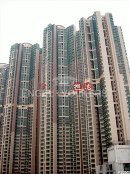 Property Search Hong Kong | OneDay | Residential | Rental Listings | 3 Bedroom Family Flat for Rent in Shek Tong Tsui