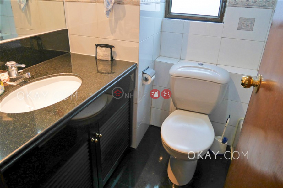 Popular 3 bedroom with balcony | Rental, Seymour Place 信怡閣 Rental Listings | Western District (OKAY-R10604)