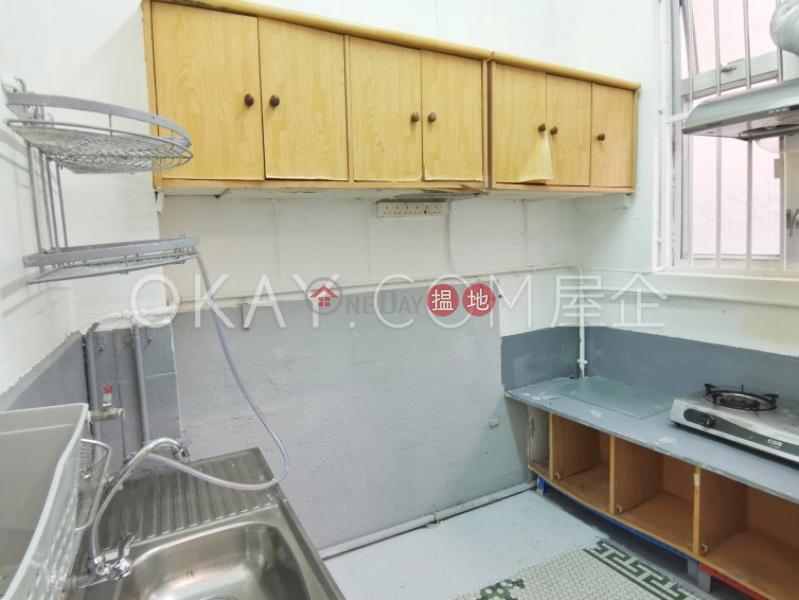 Nicely kept 3 bedroom with balcony | Rental, 49B-49C Robinson Road | Western District Hong Kong Rental | HK$ 35,000/ month