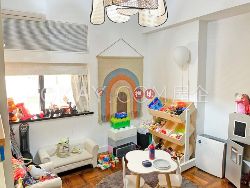 HK$ 100,000/ 月-雅慧園-中區4房2廁,連租約發售雅慧園出租單位