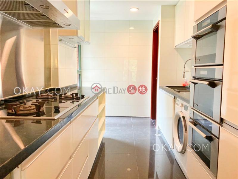 HK$ 42,000/ 月承峰2座-大埔區4房3廁,連車位,露台《承峰2座出租單位》