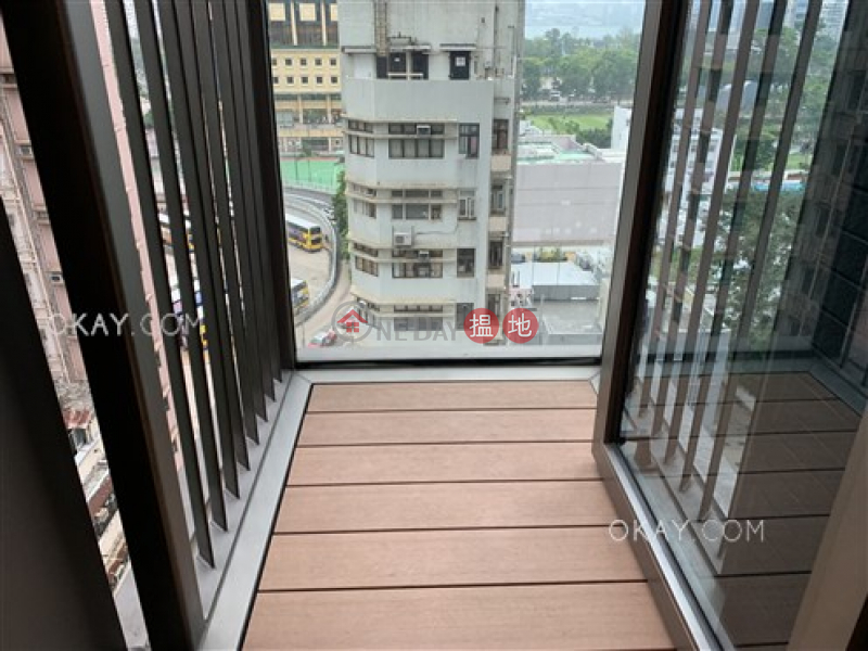 HK$ 13.98M | Jones Hive, Wan Chai District | Elegant 3 bedroom with harbour views & balcony | For Sale