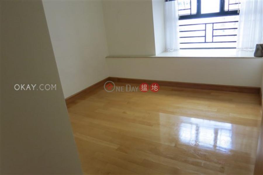 Tasteful 3 bedroom on high floor with parking | For Sale | Blessings Garden 殷樺花園 Sales Listings