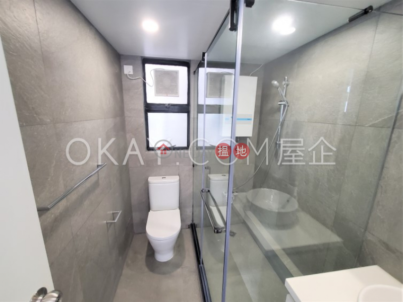 HK$ 26,000/ month Discovery Bay, Phase 5 Greenvale Village, Greenwood Court (Block 7),Lantau Island, Lovely 3 bedroom on high floor with sea views   Rental