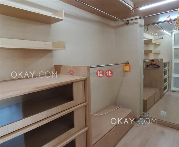 Nicely kept 2 bedroom with harbour views & parking   Rental   80 Robinson Road 羅便臣道80號 Rental Listings