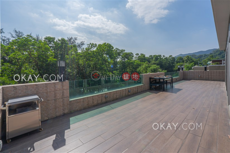 HK$ 15.8M Casa Brava, Tai Po District, Tasteful 3 bedroom with rooftop & balcony | For Sale