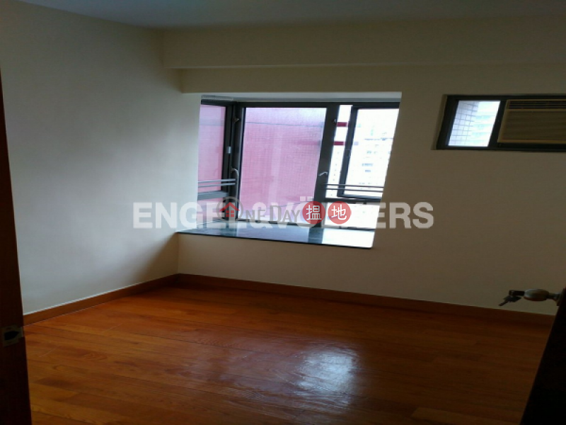 HK$ 18M | Hollywood Terrace, Central District, 3 Bedroom Family Flat for Sale in Soho