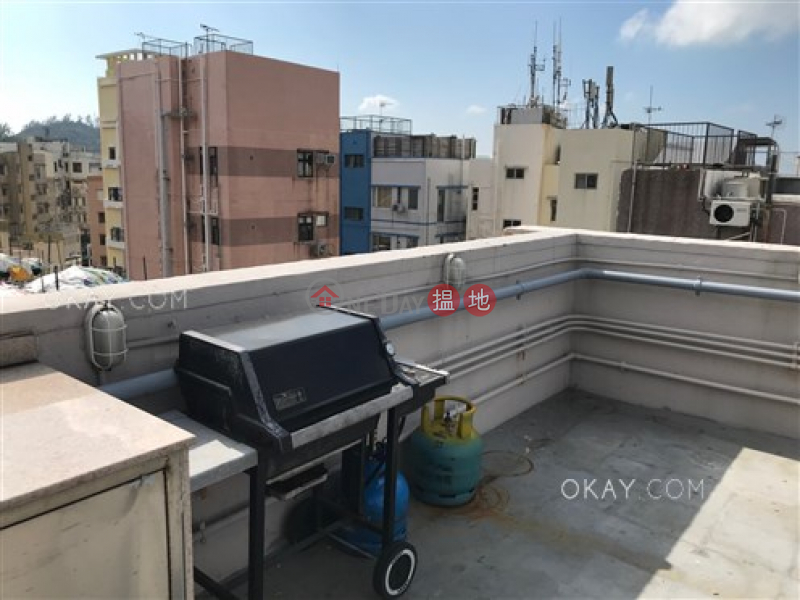 Lovely 1 bedroom on high floor with sea views & rooftop | For Sale | Chik Tak Mansion 積德樓 Sales Listings